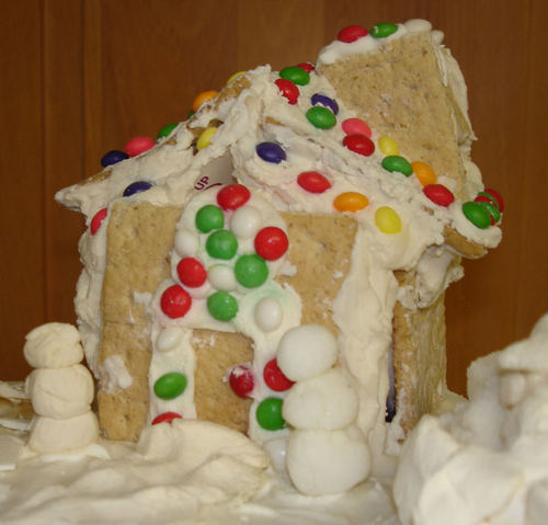 Graham Cracker House Took First Place in Kids' Division